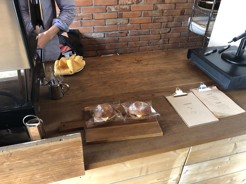 EMMA COFFEEカウンター